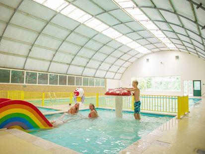 Zwemmen bij landal hunerwold state - Ontwikkeling rond het zwembad ...