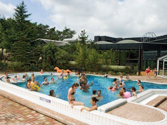 Zwemmen bij landal het vennenbos - Ontwikkeling rond het zwembad ...