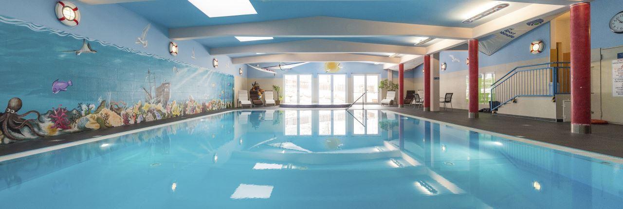 Zwemmen bij landal bad kleinkirchheim - Ontwikkeling rond het zwembad ...