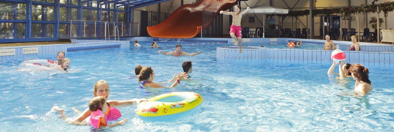 Zwemmen bij landal het land van bartje - Ontwikkeling rond het zwembad ...