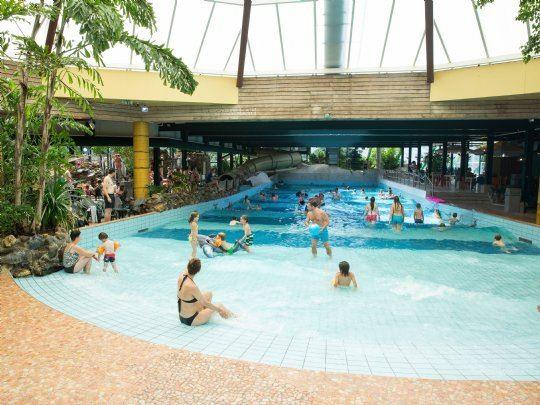Sport en spel bij landal het vennenbos for Zwembad spel